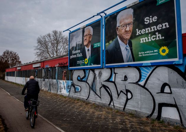 Un cartel del candidato de los Verdes, Winfried Kretschmann en Mannheim,