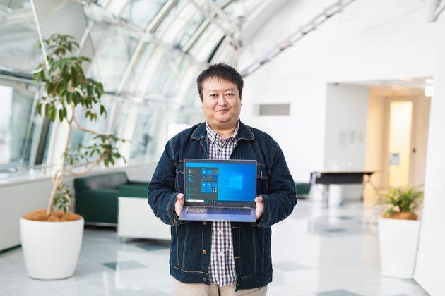 長年デル・テクノロジーズに勤める佐々木さん。自社の環境問題に対する取り組みに「誇らしく思う」と笑顔を見せる。