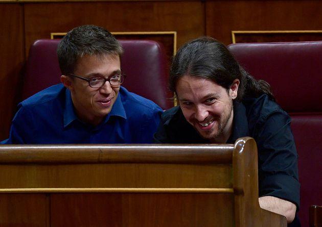 Íñigo Errejón (izq) y Pablo Iglesias, en el Congreso, en agosto de