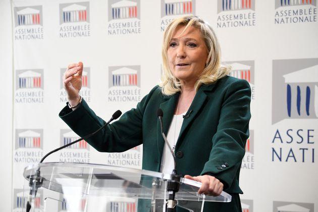 Marine Le Pen à l'Assemblée lors de la présentation de son contre-projet de la loi Climat