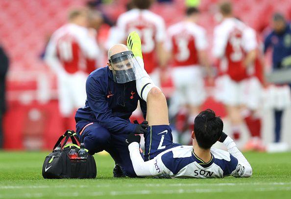 경기 초반 허벅지 부상으로 인한 통증을 호소한