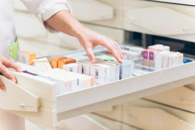Una farmacéutica elige