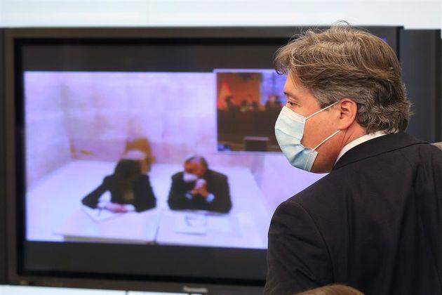 El diputado del PP Luis Santamaría durante la Comisión de Investigación de la Kitchen en la que ha declarado...