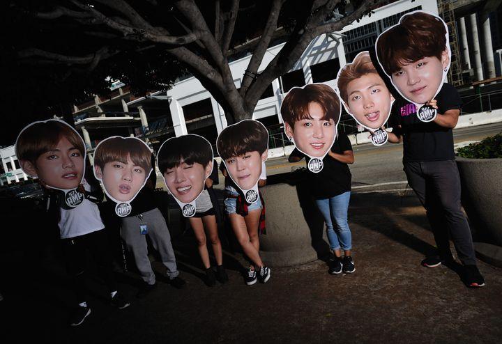 Fans de BTS en las puertas del Staples Center de Los Ángeles (EEUU) en 2018.