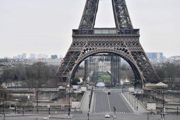 Ce qui change et ce qui ne change pas en France à partir de ce vendredi minuit (Paris sous...