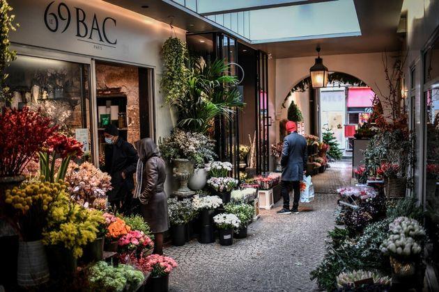Confinement de Paris et 15 départements: ces magasins resteront ouverts (photo d'archive prise...