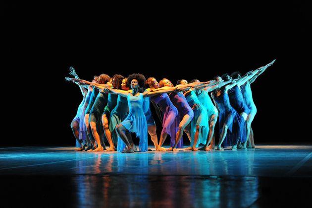 «Ο Ιερός Χορός» της