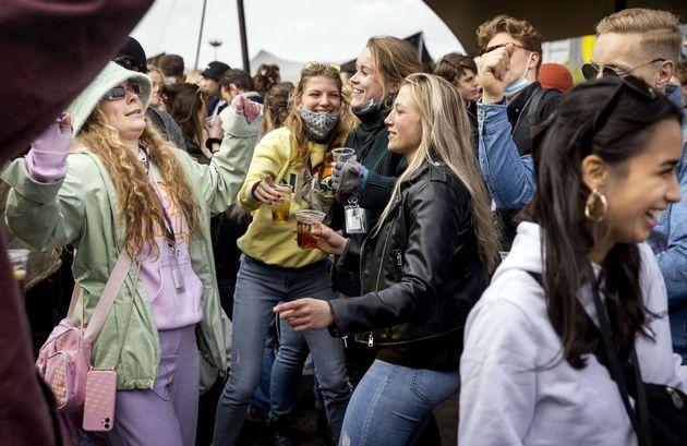 Ολλανδία: Συναυλία-πείραμα για την επιστροφή του κόσμου στα