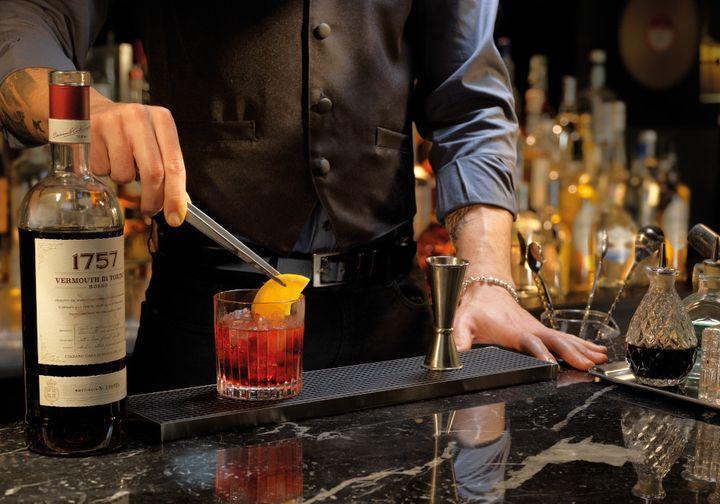 Una copa de vermut sofisticada.