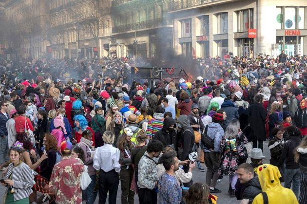 À Marseille, un carnaval non autorisé a réuni 6500 personnes ce dimanche 21