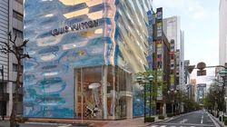 La nouvelle façade de la boutique Louis Vuitton à Tokyo a de quoi