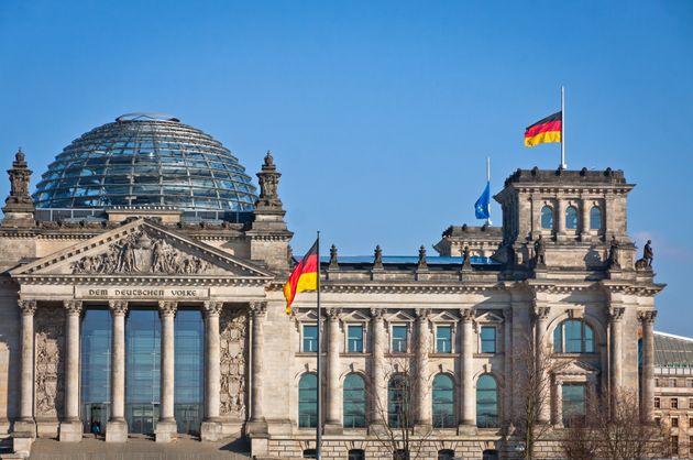 Nel Bundestag c'è chi vuole mettere il naso nel Recovery italiano e non