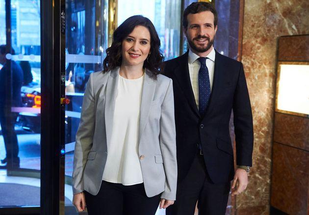 La presidenta de la Comunidad de Madrid, Isabel Díaz Ayuso, y el presidente del PP, Pablo Casado, en...