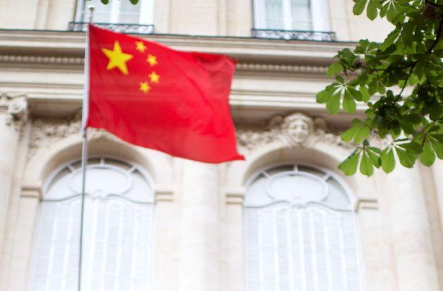 Paris dénonce les propos de l'ambassade de Chine (photo du 9 mai 2012 devant l'ambassade de Chine à
