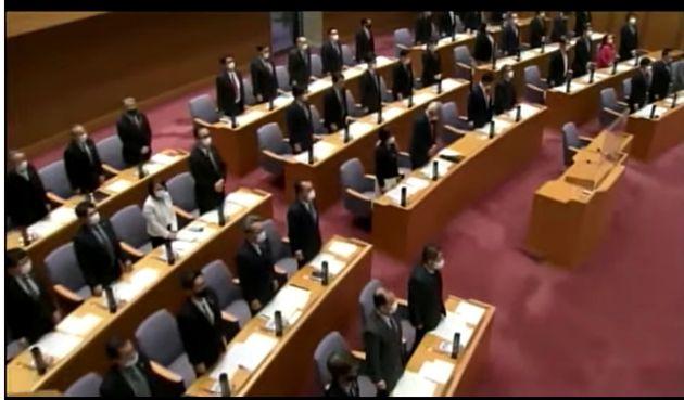 3月23日、三重県議会の中継映像より