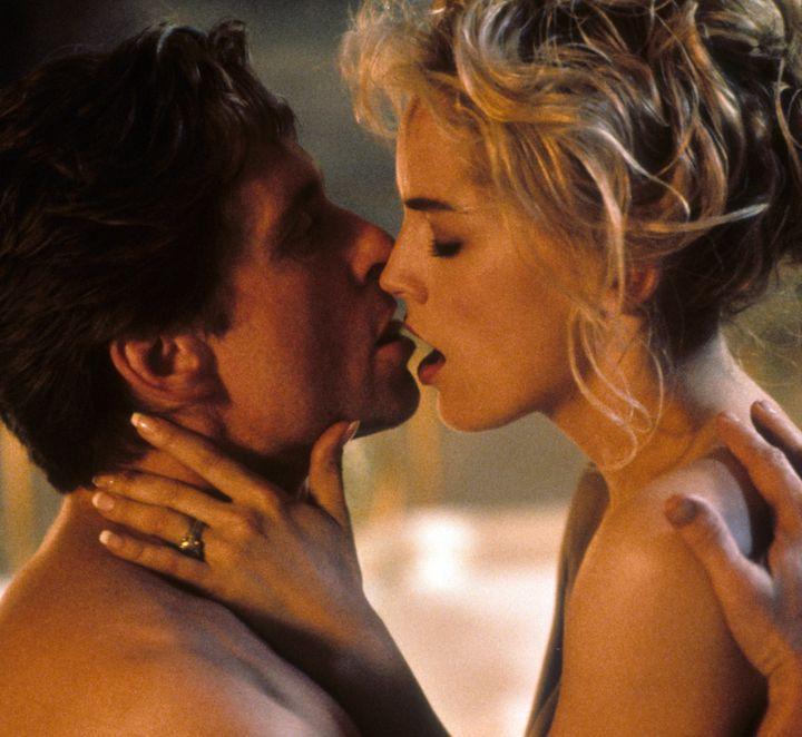 Sharon Stone y Michael Douglas en 'Instinto Básico' (1992).