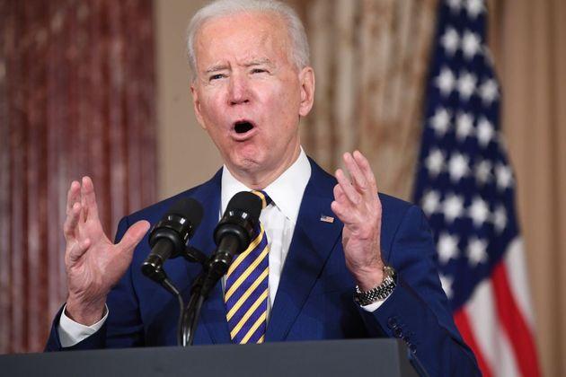 Le président américain Joe Biden parle de politique étrangère au Département...