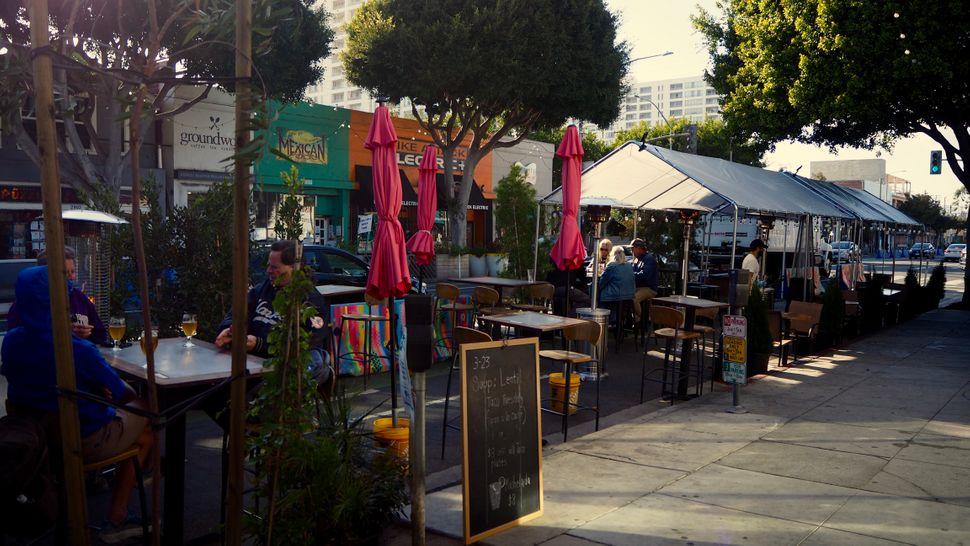Des restaurants ouverts à Los Angeles et Santa Monica, le 23 mars