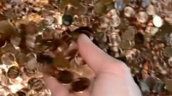 US Man Receives Final Paycheck Of $915 In Oil-Covered Pennies With A 'F**k You'