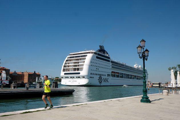 Un paquebot MSC Opera dans les eaux de Venise, en Italie, en juin