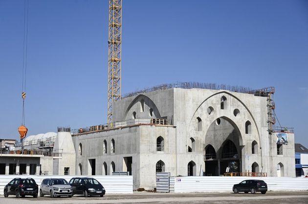 Photo prise le 24 mars du chantier de la mosquée de Strasbourg, qui provoque des tensions entre la mairie...
