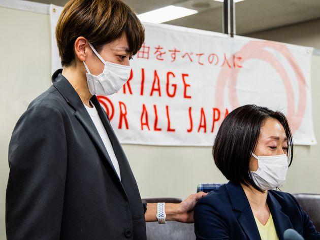 福田理恵さん(右)と藤井美由紀さん