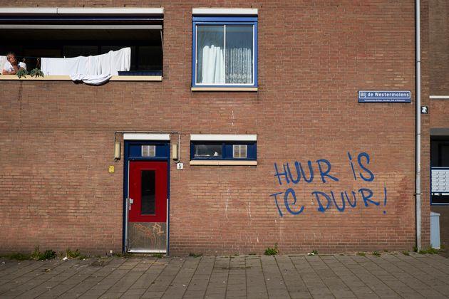 Un graffiti en el que pone