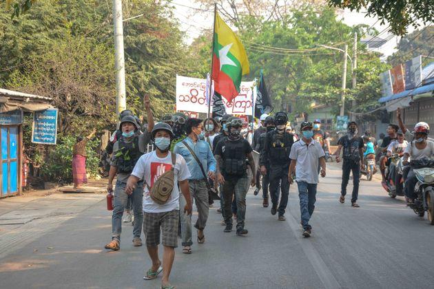 Ποτάμι το αίμα στη Μιανμάρ - Η χούντα σκότωσε 90 διαδηλωτές σε μια μέρα - Νεκρό και ένα αγοράκι 5