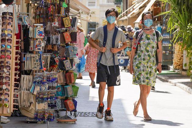 Πώς θα ανοίξει ο τουρισμός - Τέσσερις δικλείδες ασφαλείας και ορόσημο η 14η