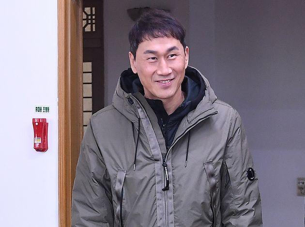 El director honorario de Incheon United, Yoo Sang-cheol, apareció sorprendido en la mesa de la cena después del 'Evento de intercambio de briquetas de amor de Incheon United 2020' celebrado con la ceremonia de apertura en Michuhol-gu, Incheon el día 6.