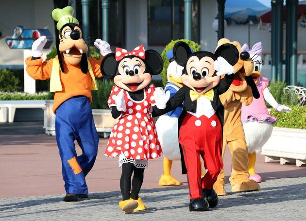 ミッキーマウスをはじめとするディズニーの仲間たち