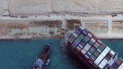 Et six jours plus tard dans le Canal de Suez, le porte-conteneur Ever Given commença à être