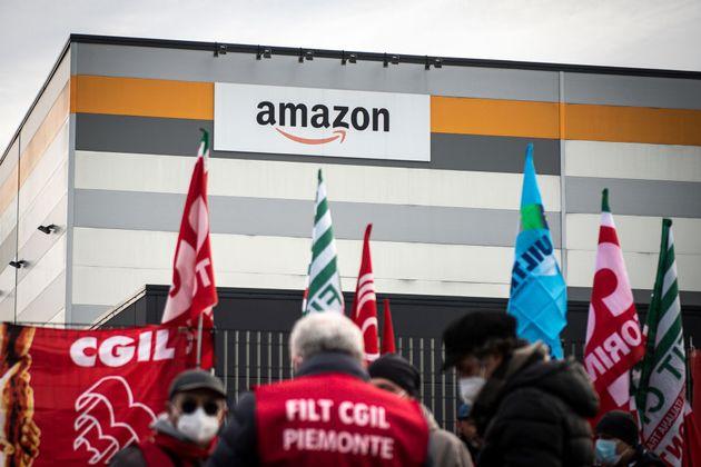 Ιστορική ψηφοφορία για την ένταξη για πρώτη φορά εργαζομένων της Amazon σε