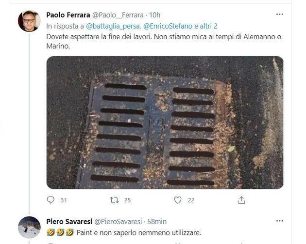 Il consigliere 5s Ferrara photoshoppa il tombino