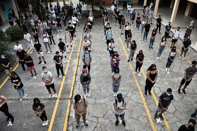 Self tests για εκπαιδευτικούς - μαθητές και προτεραιότητα στο άνοιγμα Γυμνασίων,