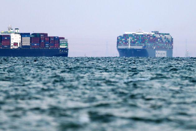 Διώρυγα Σουέζ: Πλήρης αποκατάσταση σε έως τρεις ημέρες - 113 πλοία έχουν κάνει ήδη τον