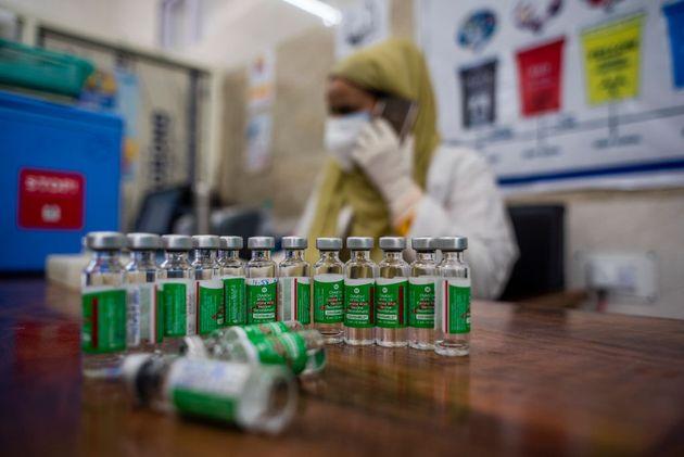 Vaxzevria: H AstraZeneca άλλαξε το όνομα του εμβολίου