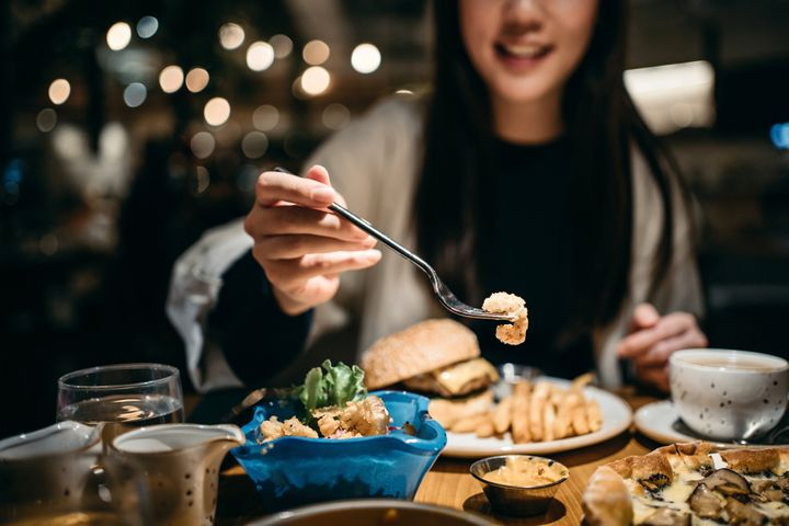 Ready to dine out again? Not so fast. Vaccination isn't a reason to stop taking safety precautions.