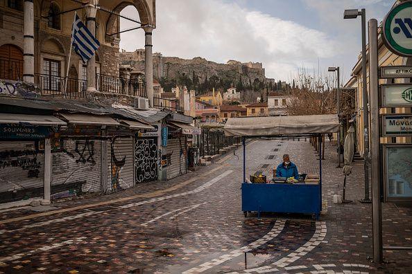 11 Φεβρουαρίου 2021. Στιγμιότυπο από την πλατεία στο Μοναστηράκι, εν μέσω lockdown. Photo: Angelos Tzortzinis/DPA...