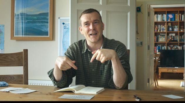 映画の原作『自閉症の僕が跳びはねる理由』を英訳したデイヴィッド・ミッチェルさん