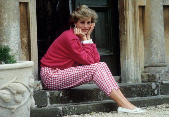 Νταϊάνα, Ιούλιος 1986, στα σκαλιά της οικίας της