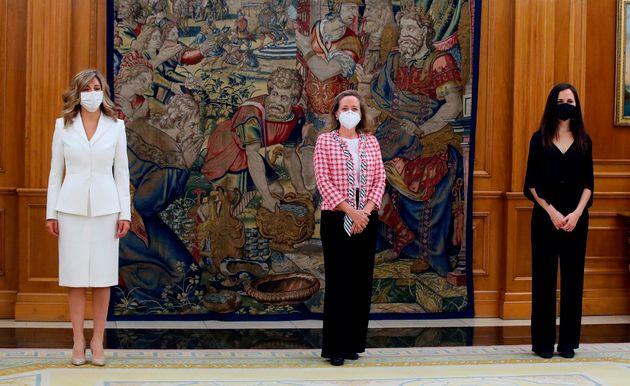 La ministra de Trabajo y nueva vicepresidenta tercera, Yolanda Díaz; la ministra de Economía...
