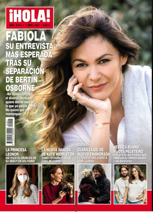 Portada de la revista ¡Hola! con Clara Lago y José