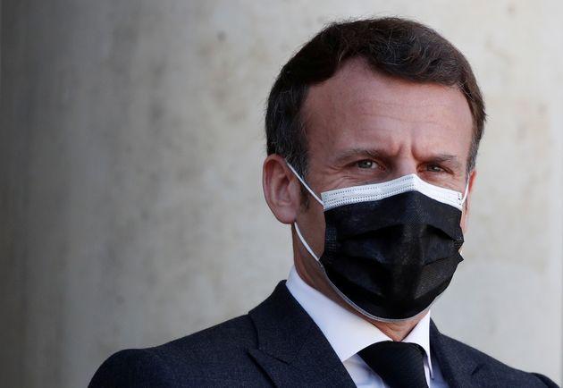 Macron ammette errori. Francia zona rossa tutto aprile, scuole