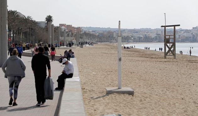 Imagen de archivo de la playa de El Arenal, en Palma de