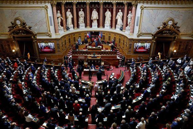 Le Sénat ajoute à la loi séparatisme la possibilité d'interdire les drapeaux...