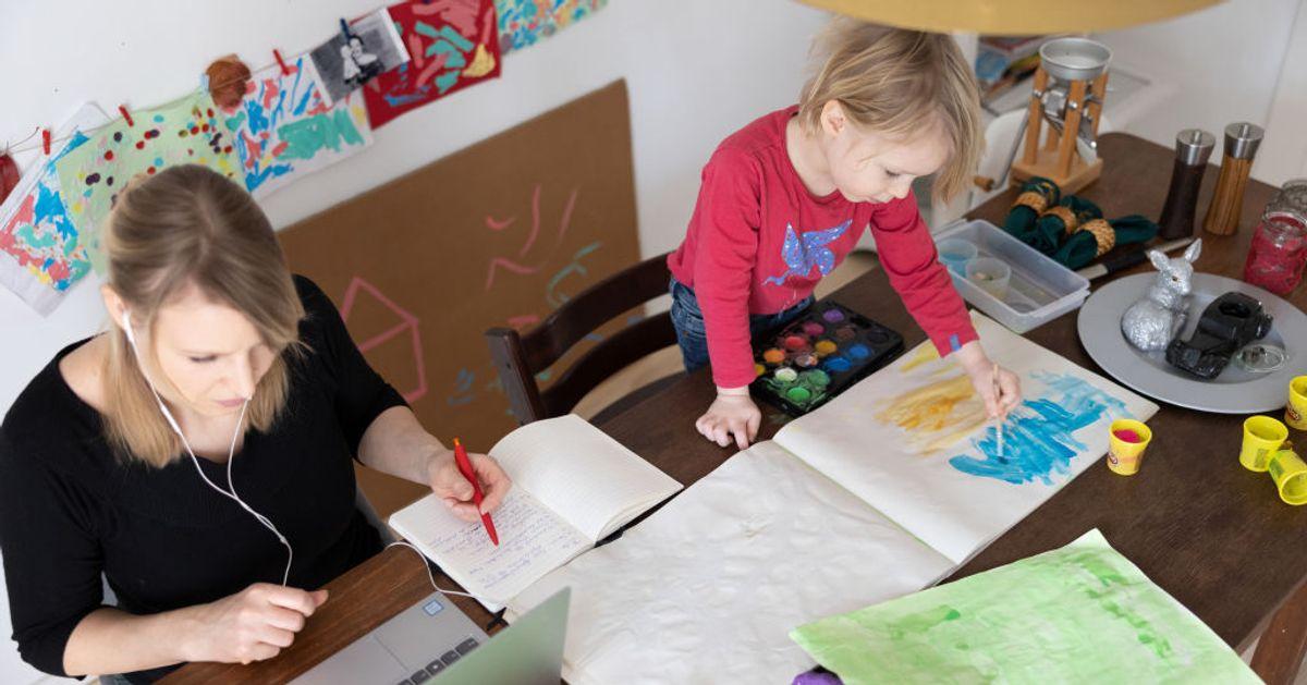 Télétravail et garde d'enfants: dans quels cas le chômage partiel peut être demandé?