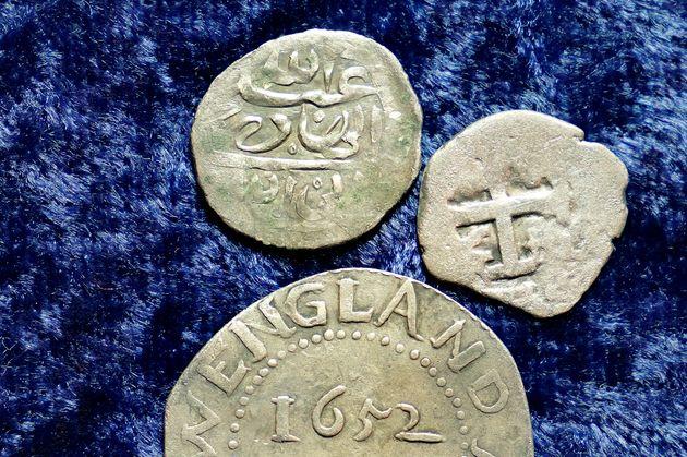 Ενα αραβικό νόμισμα από...