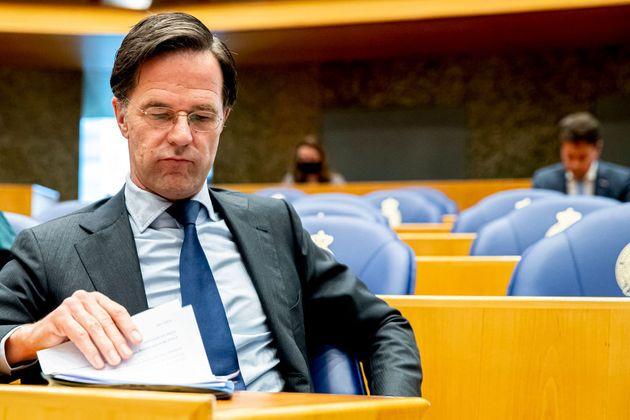 Ολλανδία: Ο πρωθυπουργός Μαρκ Ρούτε «επιβίωσε» από την πρόταση