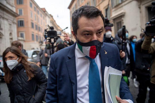 Salvini condannato a fare la